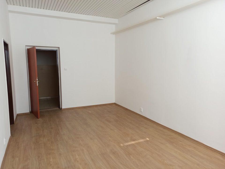 AMEX Park kancelária 3.28